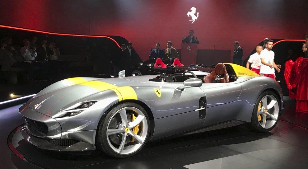 Ferrari Monza, la barchetta sarà in versione mono e biposto